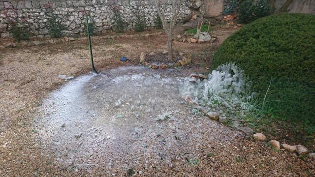 Dégâts du gel sur un robinet